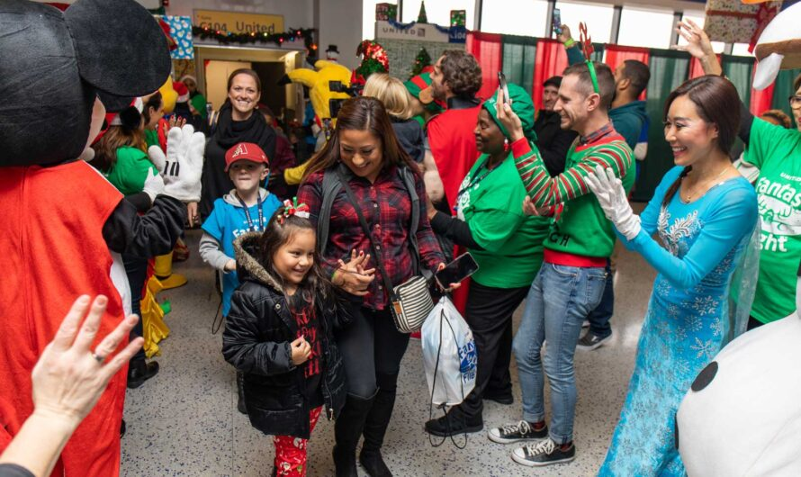 United Airlines Grants Christmas Wishes for Sick Children During 'Fantasy Flight' to Meet Santa
